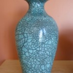 Another pot with crackle pattern